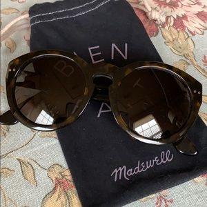 Madewell Hepcat tortoise sunglasses and bag
